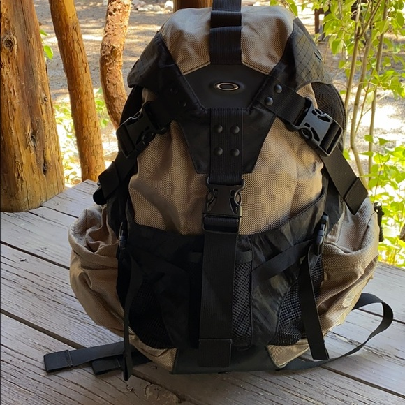Oakley Bags Oakley Kitchen Sink Backpack Poshmark